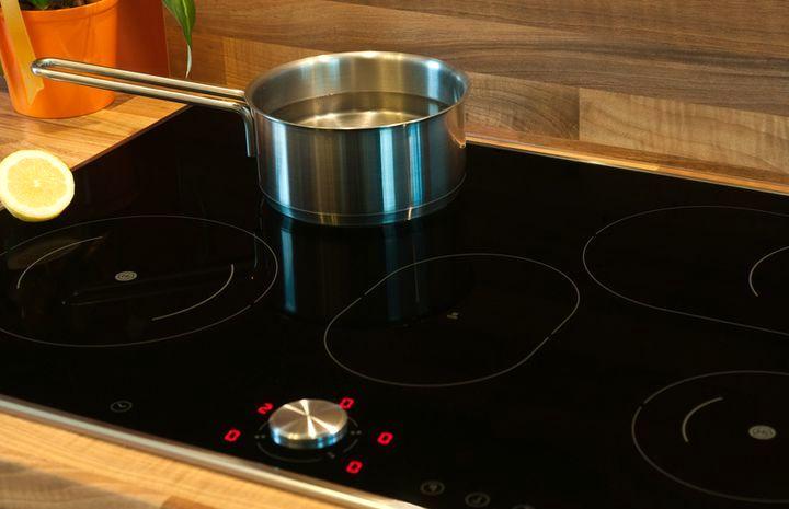 Как снизить вред от индукционных плит?
